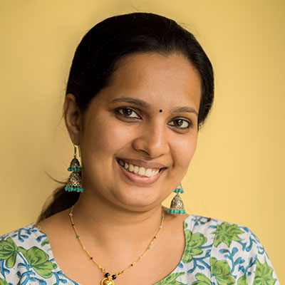 Dr Aparna is an Ayurvedic physician with a Ph.D. degree. She leads Ayurvedic yoga retreats for women at Oneworld Retreats.