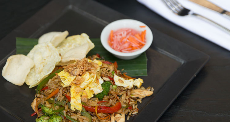 Nasi goreng is one of the Balinese specialties served during your yoga retreat at Oneworld Retreats in Ubud, Bali.