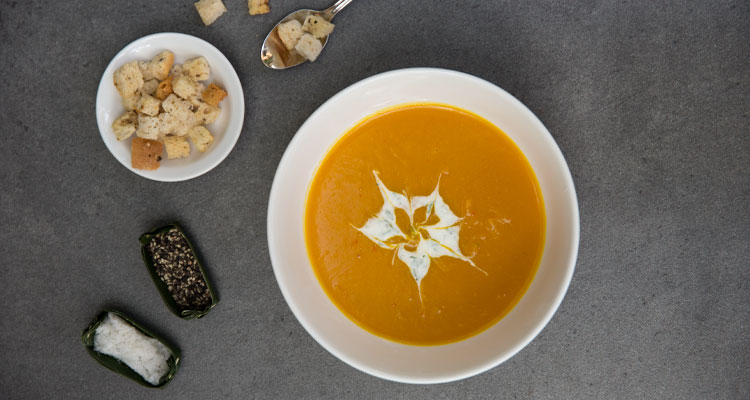 Most dinners during your yoga retreat at Oneworld Retreats in Ubud, Bali start with a delicious soup.
