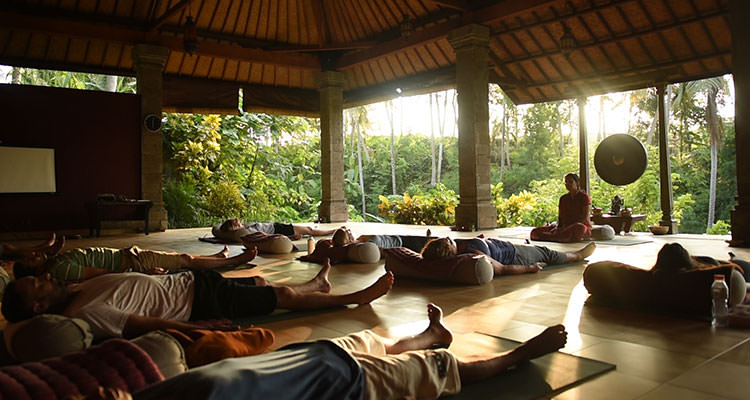 ayurveda meditation retreat in bali