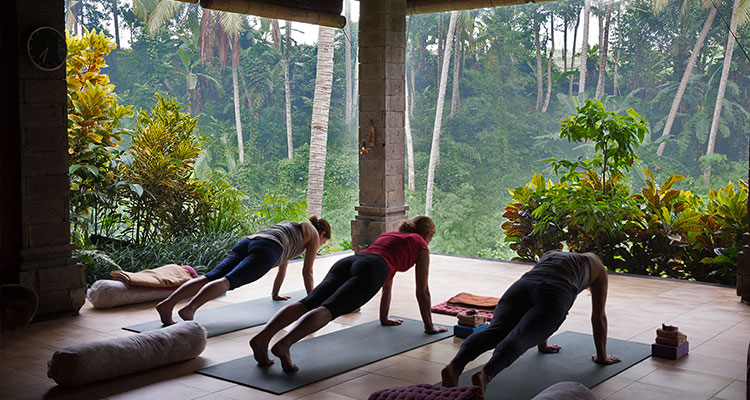 Your Bali yoga retreat at Oneworld Retreats in Ubud includes twice-daily yoga and meditation sessions